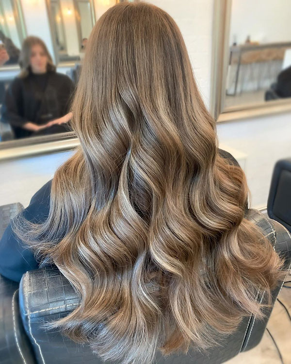 Hairstyles For Long And Wavy Hair